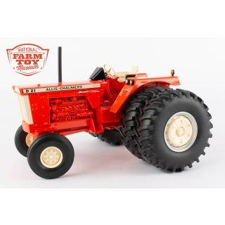 Allis Chalmers D21 - 2020 NFTM Tractor - 1/16