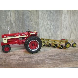 2008 Farmall 560 Demonstrator with plow